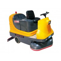XD1150駕駛式三刷洗地機