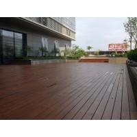 湛江廣百頂層廣場木地板