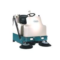 6200 緊湊駕駛式掃地機