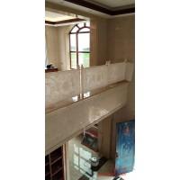 山東鋁藝樓梯護欄 鍍金鋁板雕刻護欄生產工藝