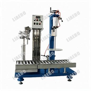 廠家直銷小型/半自動/稱重式/單頭/定量/液體灌裝機灌裝設備