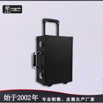 供应PU皮荔枝纹化妆箱专业单向轮拉杆箱批发