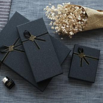 黑色大氣簡約長方形禮品盒