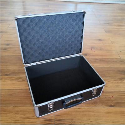 定制出售多功能铝合金手提箱带防震海绵