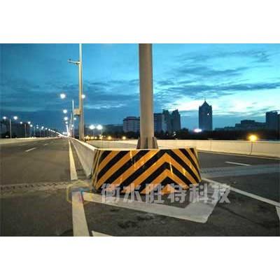 高速公路橋墩防撞設施,橋墩防撞墊,橋梁防車撞裝置