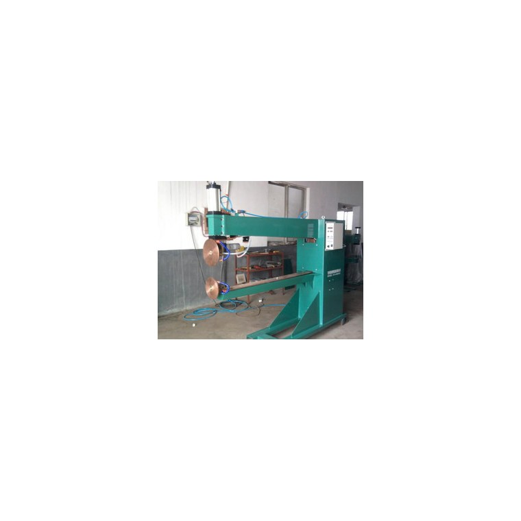 山東汽車油箱焊機聯系方式|油箱自動焊接設備專業公司