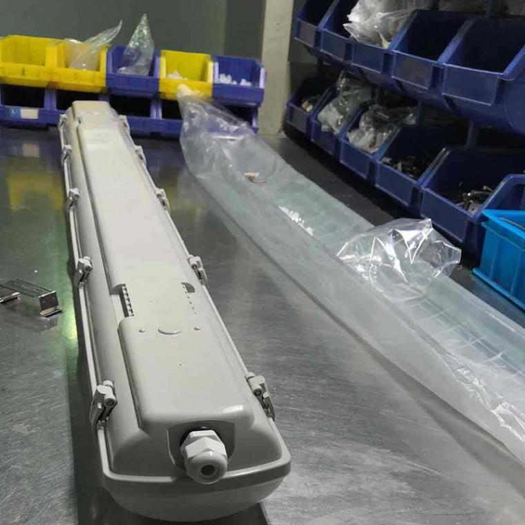PS三防燈單管雙管硅膠防水防爆燈,地鐵隧道led應急燈