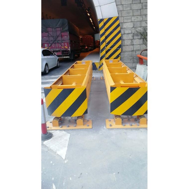 湖南汉疆交通设施防撞垫高速入口岔路口防撞垫