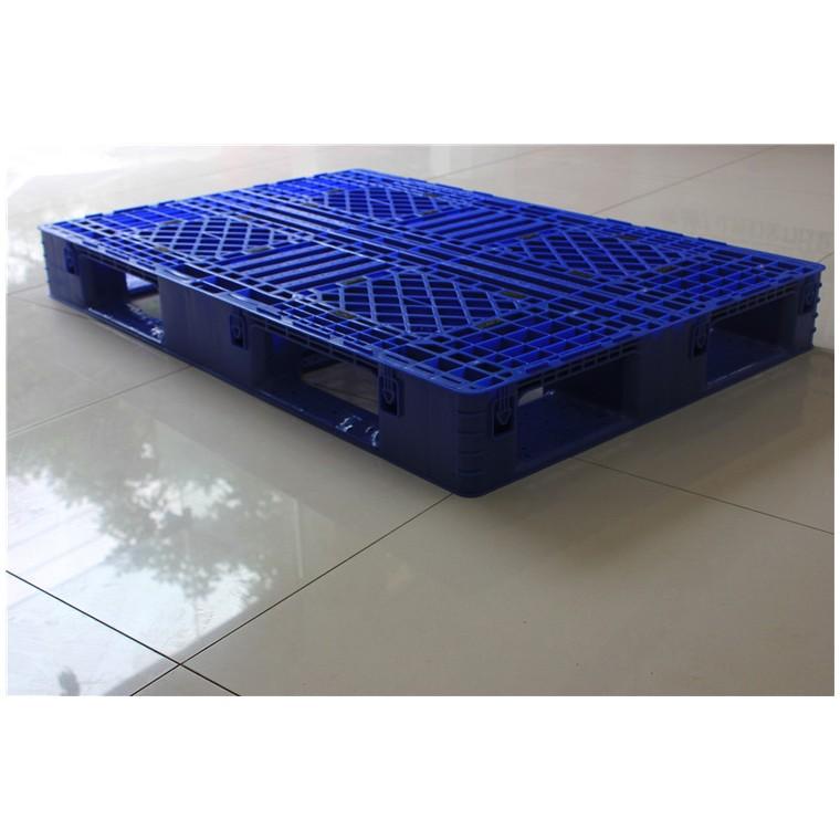 陜西省銅川市 九腳網輕塑料托盤雙面塑料托盤價格實惠