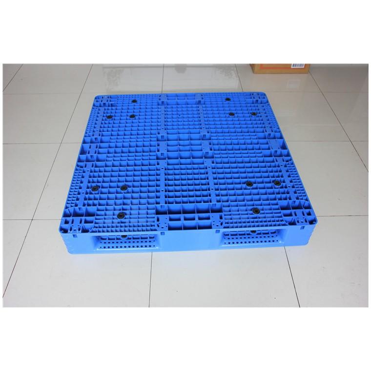 陜西省寶雞市 九腳平面塑料托盤雙面塑料托盤哪家專業