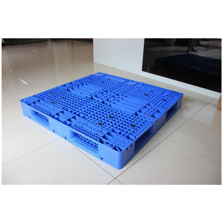 陜西省延安市 九腳網輕塑料托盤雙面塑料托盤性價比