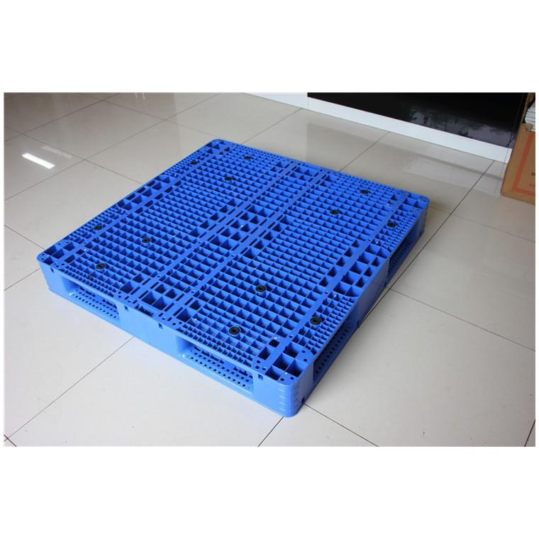陜西省韓城市九腳平面塑料托盤川字塑料托盤信譽保證