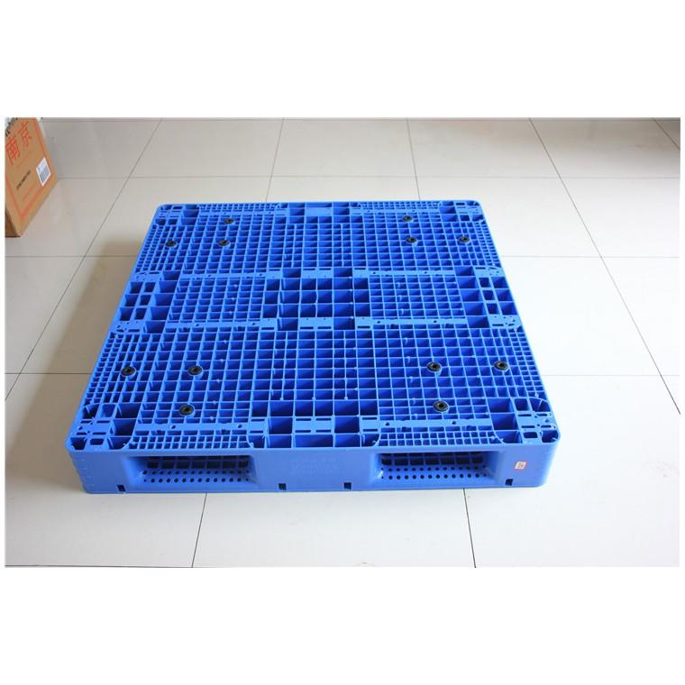 陜西省咸陽市 九腳平面塑料托盤川字塑料托盤信譽保證