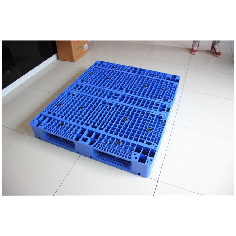 陜西省榆林市 九腳平面塑料托盤雙面塑料托盤廠家直銷