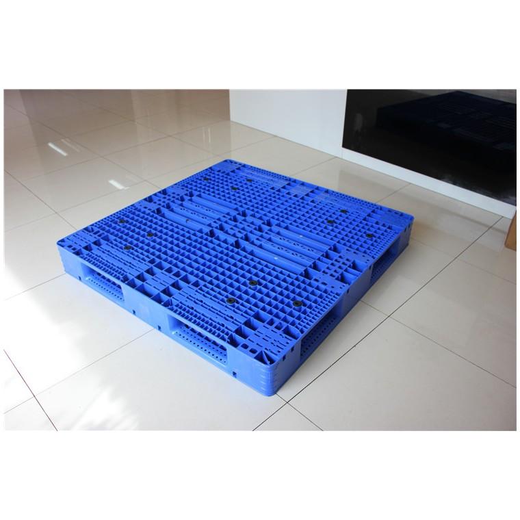 陜西省安康市九腳平面塑料托盤川字塑料托盤信譽保證