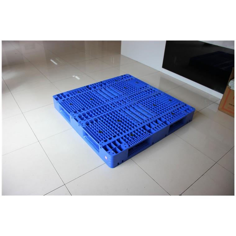 四川省广安九脚网轻塑料托盘川字塑料托盘优质服务
