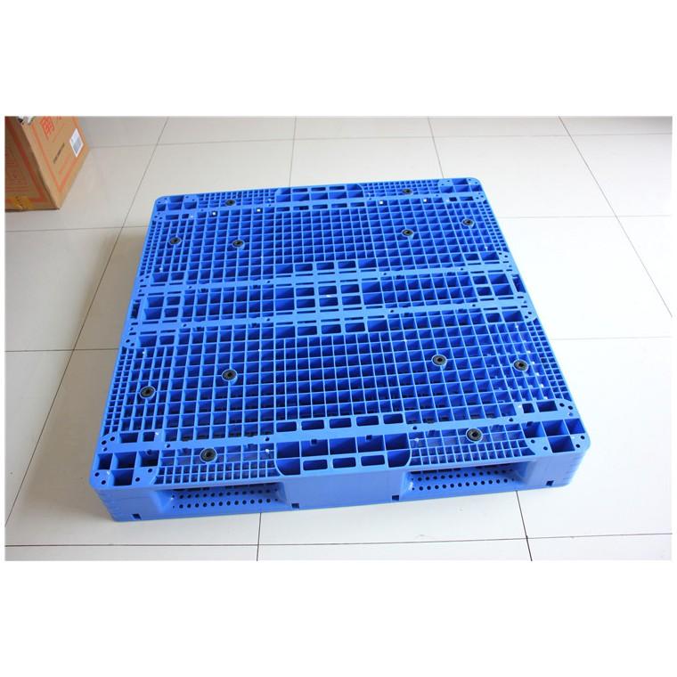 四川省甘孜1210九腳塑料托盤雙面塑料托盤價格實惠