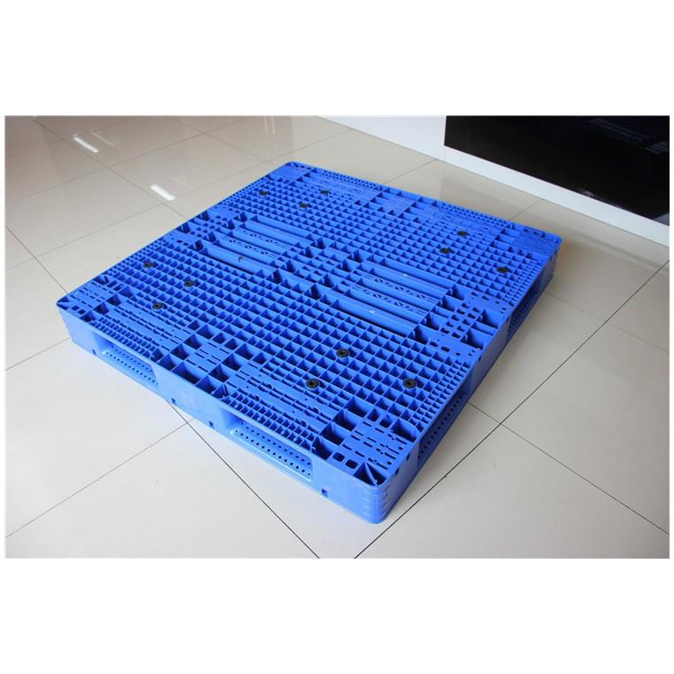 四川省南充1210九腳塑料托盤田字塑料托盤信譽保證