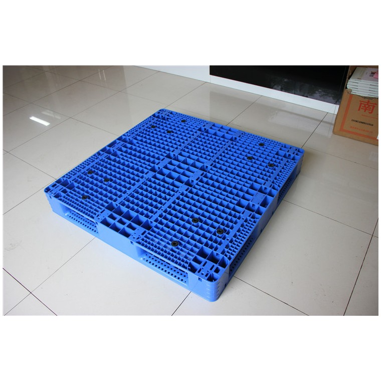 四川省内江九脚网轻塑料托盘双面塑料托盘优质服务