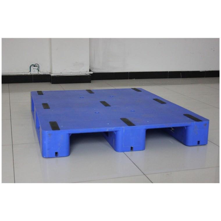 四川省涼山九腳平面塑料托盤川字塑料托盤優質服務