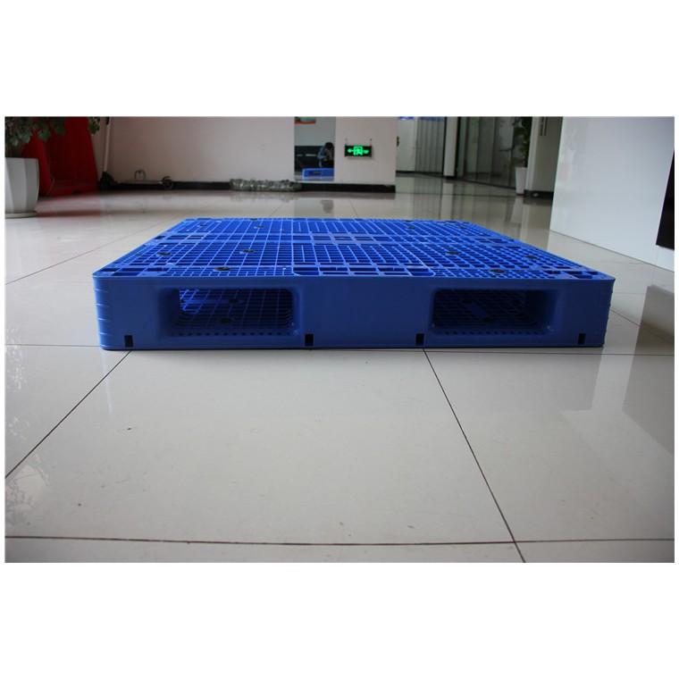 四川省南充1210九腳塑料托盤田字塑料托盤性價比
