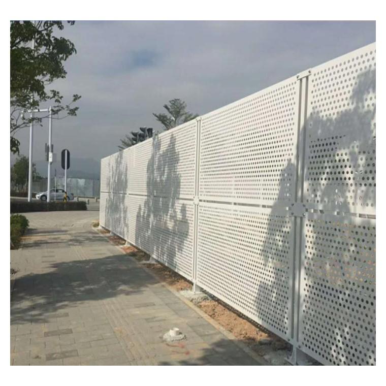 圓孔施工圍墻 白色沖孔護欄 工地沖孔板 佛山彩鋼板廠家