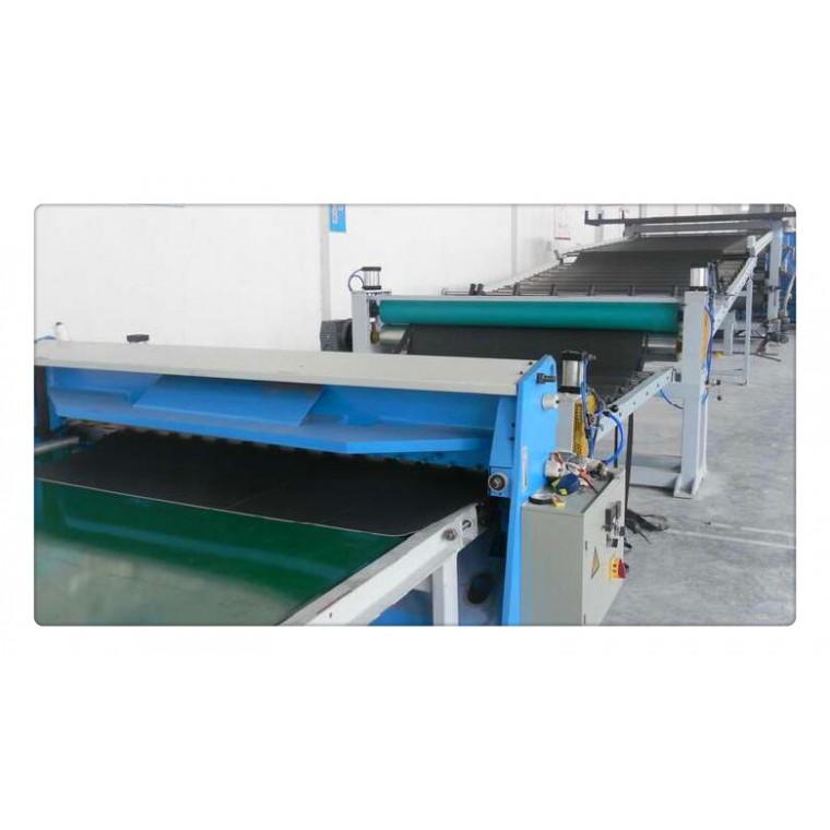 汽车后备箱板材料设备,汽车后备箱板材挤出机(图示)