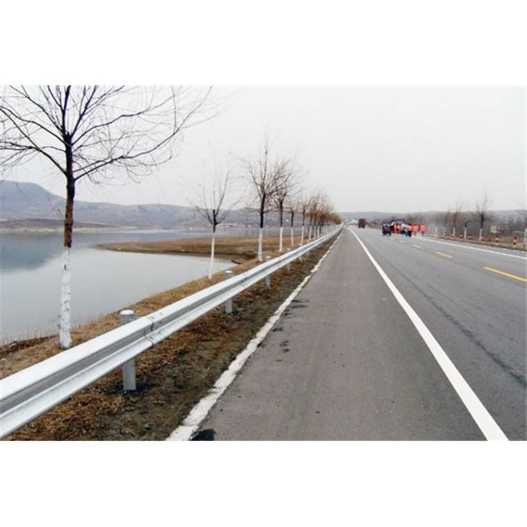 宝鸡麟游县厂家高速护栏板价格外形美观