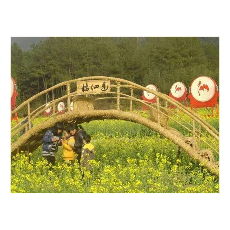 油菜花稻草桥