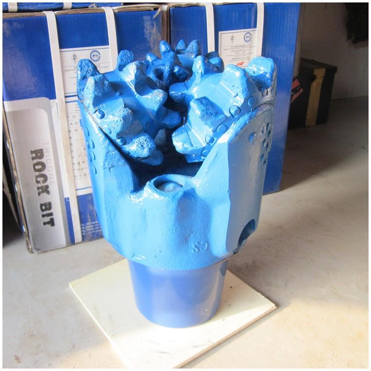 陕北专用硬层三牙轮钻头镶齿三牙轮钻头