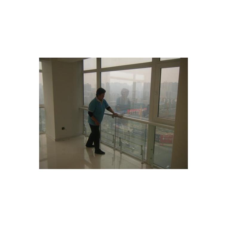 揚州開荒保潔 保潔商場 學校 寫字樓 家庭 酒店 鐘點工保潔