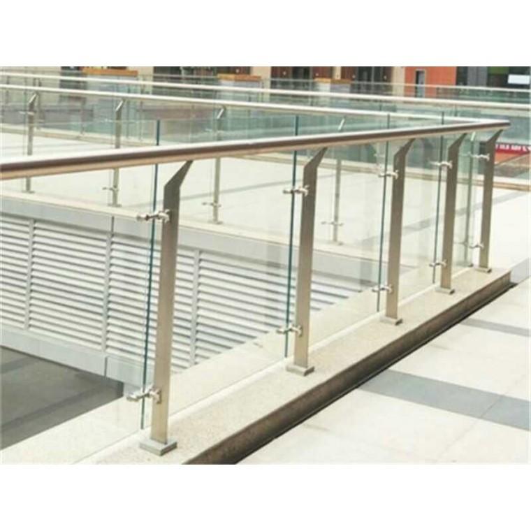 广东不锈钢楼梯栏杆价格咨询_专业生产楼梯护栏厂家