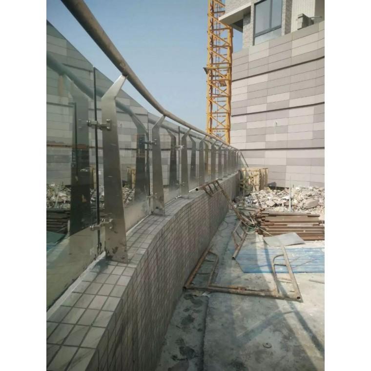 徍宜升樓梯扶手不銹鋼配件,玻璃欄桿不銹鋼配件,陽臺護欄配件