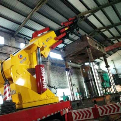 小型吊车在设备吊装施工过程中九个安全注意事项