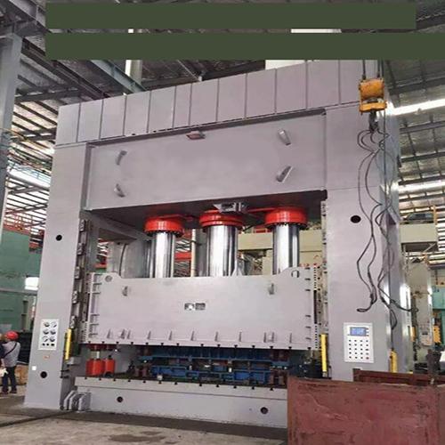 四柱式油壓機