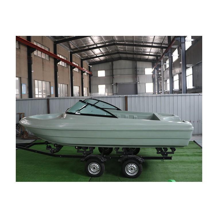 5.6米快艇