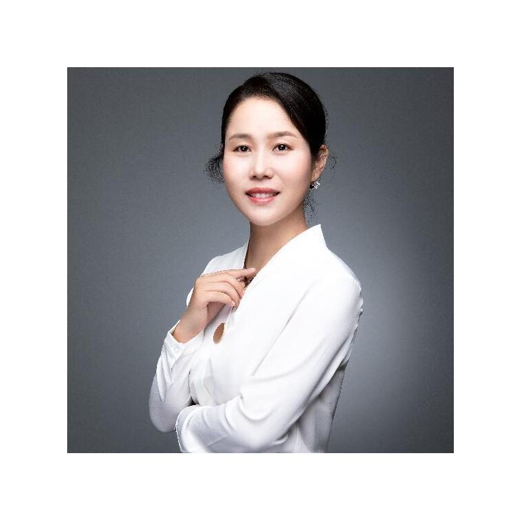 趙小鳳 高級財務顧問