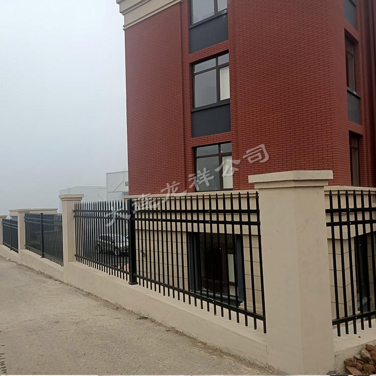 钢管围栏或钢管护栏